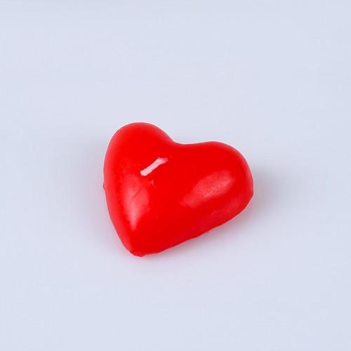 Свеча в форме сердца, красная